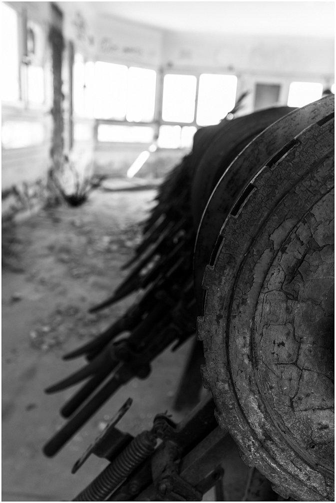altes Bahnbetriebswerk Aachen West ist schon lange still gelegtnoch zum teil enthalten. Es ist trotz alschutz mittlerweile stark beschädigt. Es hat mehrmals gebrannt und auch Vandalismus hat sein übriges getan. Eingeweiht wurde das Bahnbetreibswerk Aachen