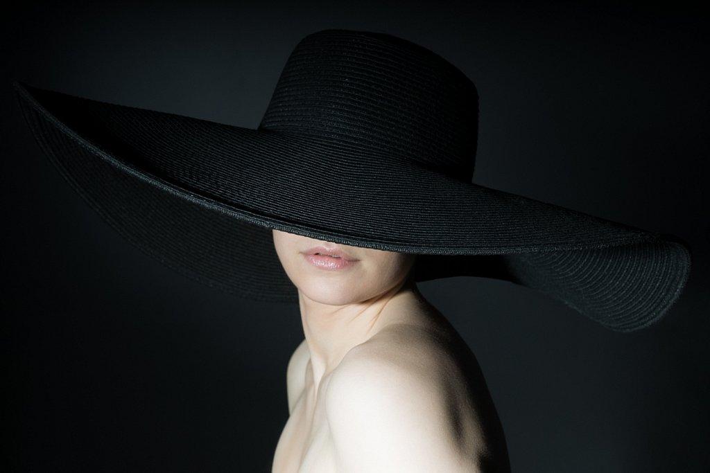 Studio - Vanna mit Hut